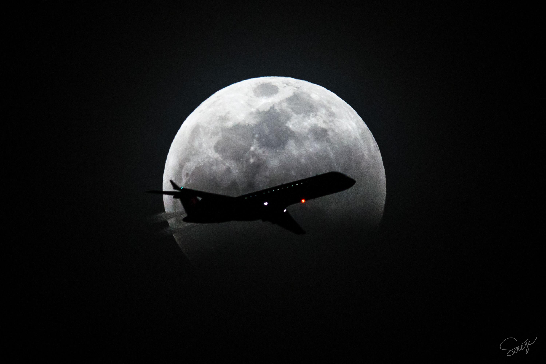 部分月食中の飛行機月面通過(2015/4/4)